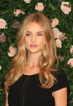 trendy Honey Blonde Hair Colors For Women (3)