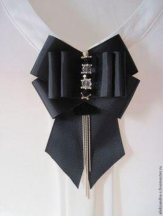 Select Classic Wardrobe Pieces For Flexible Dressing Ribbon Jewelry, Ribbon Art, Diy Ribbon, Ribbon Crafts, Ribbon Bows, Fashion Details, Diy Fashion, Womens Fashion, Brooches Handmade