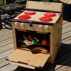 Ontzettend leuk idee om zelf te maken voor de kinderen. Hier is het gedaan met karton, maar een sterkere en toch goedkope oplossing zou bijvoorbeeld hardboard zijn. http://bouwmaterialenaanhuis.nl/plaatmaterialen/hardboard.html