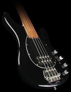 Fretless Musicman Sterling. I still own/play this bass...I call him the Old Man