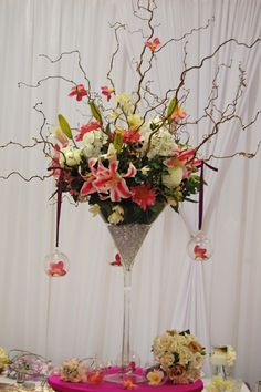 MARTINI GLASS FLOWER ARRANGEMENT | Archive for the 'Martini Glasses' Category