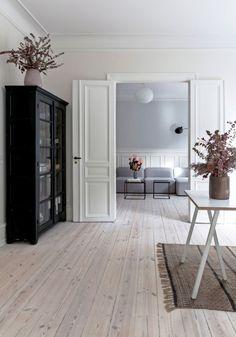 Apartment Interior Design, Living Room Interior, Minimalist Living, Living Room Inspiration, Diy Bedroom Decor, Home Decor, Home And Living, House Design, House Styles