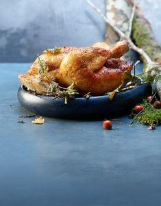 Voici une recette pour les amateurs de plantes comestibles. Au moins trois des ingrédients sont introuvables dans un supermarché. Pour cela, il te faudra aller en forêt durant l'automne. Mais pour la viande, nous te conseillons de te rendre chez ton boucher. Valeur Nutritive, Salmon Burgers, Voici, Turkey, Ethnic Recipes, Food, Gourd, Meat, Swiss Chicken