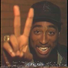 Tupac Photos, Tupac Pictures, 2pac Images, Tupac Art, Tupac Lyrics, Drake Lyrics, Tupac Shakur, Aesthetic Movies, Aesthetic Videos