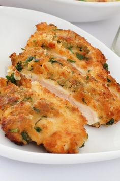 Chicken is coated in beaten egg and then herby, crispy Japanese breadcrumbs, before being shallow fried until golden brown and delicious. This is quick and easy to make. Turkey Recipes, Chicken Recipes, Dinner Recipes, Dinner Ideas, Supper Ideas, Chicken Milanese, Good Food, Yummy Food, Cooking Recipes