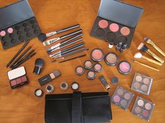 My collection as of 22nd December 2007  Eyeshadow Pro 15 Pallette:  - Pink Venus - Da Bling  Eyeshadow Pro 4 Palette: - Ricepaper - Bamboo - Soba - Wedge  Eyeshadow 4 Palette: - Satin Taupe - Shale - Creme de Violet - Silver Ring  Eyeshadow Pro 4 Pal http://karistirsepeti.com