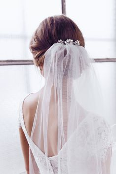 Anna Campbell custom wedding dresses and gowns are vintage inspired for bohemian bridal beauty. Anna Campbell, Bridal Hair Updo, Bridal Comb, Bridal Headpieces, Wedding Headdress, Wedding Veils, Wedding Dresses, The Bride, Bridal Hair Accessories