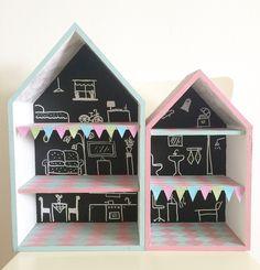 Doll house with black board paint #dollhouse #dockskåp