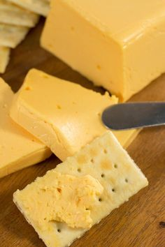 Homemade Velveeta Cheese Why buy expensive Velveeta cheese when you can make your own? Here is a simple, homemade cheese recipe that tastes better than the real deal. Homemade Velveeta, Velveeta Recipes, Cheese Dip Recipes, Homemade Cheese, Cheese Dishes, How To Make Cheese, Food To Make, Making Cheese, Kitchens