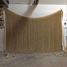 Rose Holzer [ Tablier céleste ] 2016 / ficelles nattées, pampilles / 315x420cm Rose, Tapestry, Home Decor, Twine, Apron, Hanging Tapestry, Pink, Tapestries, Decoration Home