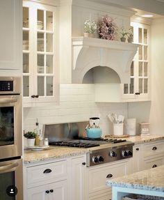 Kitchen Board, Kitchen Stove, White Kitchen Cabinets, Kitchen Redo, Kitchen Styling, New Kitchen, Kitchen Dining, Kitchen Remodel, Kitchen Makeovers