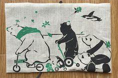 ブックカバー 動物たちのレース 緑本は人生のおやつです!!