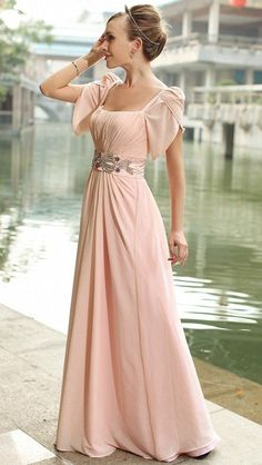 Beautiful, short sleeves, elegant, floor-length cocktail dress/party dress /Evening dress, just not that colour quite