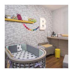 Tem matéria lindíssima no site da @casavoguebrasil com o quarto da Bia todinho idealizado pela @chatadegalocha !!! Repleto de #pakatutti mas com o traço inusitado, moderninho é surpreendente da #CHATA #luferreira  #projetosinfantis #kidsroom #quartodebebe #quartidemenina #kitdeberçopersonalizado #quartodebebe
