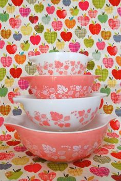 storagegeek:    I just bought two vintage Pyrex dishes in these shades of pink from a local charity shoppe. I love them, unfortunately no one else appreciated them as much. Glad others do. Now, if I could only find these pieces for the same four dollars each!