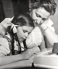 Magda Goebbels and Helga Goebbels.