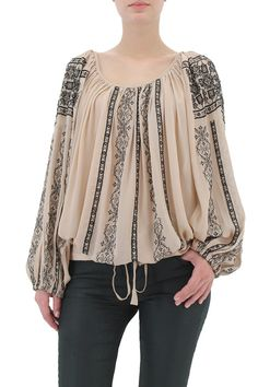 Love the blouse Folk Fashion, Hijab Fashion, Fashion Dresses, Womens Fashion, Blouse Styles, Blouse Designs, Ethno Style, Gauze Dress, Embroidered Clothes
