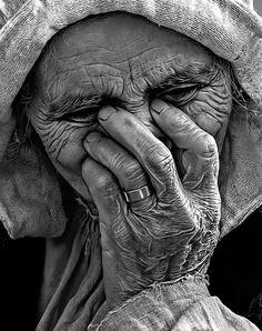 madamescherzo:    Straziante e belli sono gli anziani - Mme Scherzo    The art of soundless expression so loud it can't be mistaken…… M