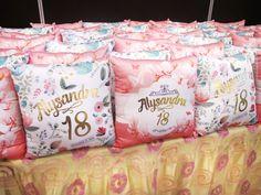 giveaway ideas … 18th Debut Theme, 18th Debut Ideas, Debut Themes, Debut Giveaways, Party Giveaways, Birthday Souvenir, 18th Birthday Party, Birthday Ideas, Debut Souvenir Ideas