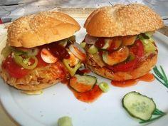 9 villámgyors melegszendvics, aminek nem tudsz ellenállni | Mindmegette.hu Hamburger, Chicken, Ethnic Recipes, Food, Essen, Burgers, Meals, Yemek, Eten