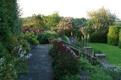 Terrass med höjdskillnad. Brockhampton Cottages   Tom Stuart-Smith