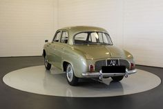 Renault - Dauphine Export model - 1964 Electric Cars, Cars And Motorcycles, Classic Cars, Trucks, Model, Cars, French People, Nostalgia