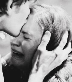 Amy Pond and The Doctor - This breaks my heart in every way.