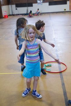 Best team building games for kids classroom physical education 37 ideas Kids Gym Games, Team Games For Kids, Games For Kids Classroom, Building Games For Kids, Kindergarten Games, Educational Games For Kids, Preschool Games, Pe Games, Kids Camp