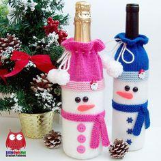 153 Snowman bottle covers for wine and champagne Knitting pattern by LittleOwlsHut – Knitting patterns, knitting designs, knitting for beginners. Holiday Crochet, Crochet Gifts, Christmas Knitting Patterns, Crochet Patterns, Christmas Wine Bottles, Wine Bottle Covers, Red Heart Yarn, Wine Bottle Crafts, Knitting For Beginners