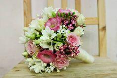Buchete de mireasa cu flori multicolore Floral Wreath, Wreaths, Bouquets, Decor, Floral Crown, Decoration, Door Wreaths, Bouquet, Bouquet Of Flowers