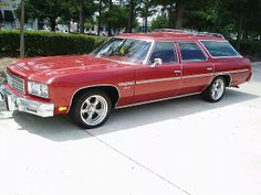 Had a 76 Chevy wagon but it wasn't an Impala. My Dream Car, Dream Cars, Chevy Luv, Wagon Cars, Collectible Cars, Chevy Muscle Cars, American Motors, Weird Cars, Gas Pumps