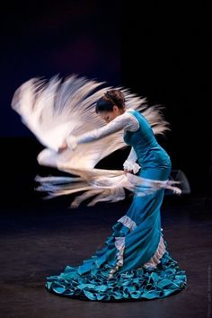 Fatima Sumar, one of our fabulous bloggers, takes a closer look at flamenco, a beautiful and passionate dance from Spain. This photo features Fiona Malena, who will be performing at the Roundhouse on Sep 13 http://roundhouse.ca/ai1ec_event/puertas. And how about this for a preview of what she can do http://youtu.be/0EjU33rcrJA.