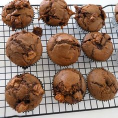 Imagine the gooey, caramel goodness of a Mars Bar, surrounded by a fluffy, chocolate muffin! Thanks to Create Bake Make, you no longerneed to imagine…