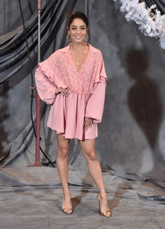 "Vanessa Hudgens in Giamba attends a photo call for STX Films' ""Second Act"" in L. Vanessa Hudgens Legs, Estilo Vanessa Hudgens, Pink Mini Dresses, Nice Dresses, Vanessa Rose, Foto Top, Evening Sandals, Buy Dress, How To Look Pretty"