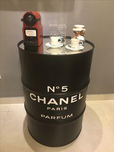 Barrel Projects, Diy Projects, Tattoo Studio Interior, Chanel Decor, Tiffany Party, Metal Barrel, Pink Room, Handmade Wooden, Restaurant Design