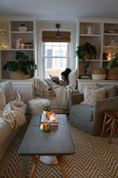 Bohemian Style Home Decors with Latest Designs Home Design: Interior Design Ideas for Contemporary H Living Room Interior, Home Living Room, Cozy Living Rooms, Cottage Style Living Room, Furniture For Living Room, Living Room Decor Small Apartment, Home Room, Living Room With Color, Home Décor