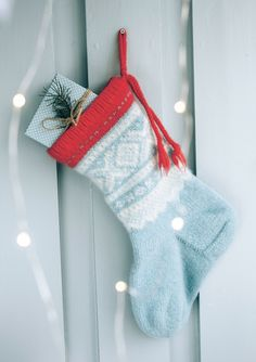 Ravelry: Julstrumpa pattern by Unn Søiland Norwegian Christmas, Scandinavian Christmas, Blue Christmas, Christmas Carol, Christmas Ideas, Xmas, Christmas Stocking Pattern, Knitted Christmas Stockings, Christmas Knitting