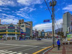 Pohang este un oraș din provincia Gyeongsang de Nord, Coreea de Sud și un principal port maritim în regiunea Daegu-Gyeongbuk. Daegu, Aesthetic Wallpapers, Asia, Street View