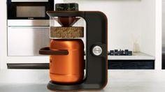 Sieht aus wie eine Küchenmaschine: Mit Minibrew kann man zu Hause Bier brauen | Brew your own beer at home on the kitchentable with Minibrew - five liters per turn.