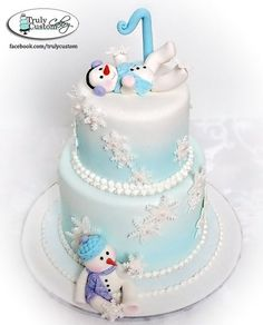 Snowbabies First Birthday Cake without the snowmen