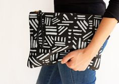 graphic clutch