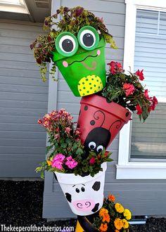 Flower Pot Art, Clay Flower Pots, Flower Pot Crafts, Clay Pot Crafts, Shell Crafts, Diy Clay, Flower Planters, Garden Yard Ideas, Garden Crafts