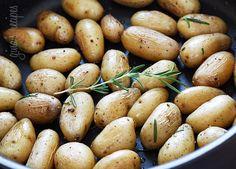 Teeny Tiny Potatoes with Rosemary #rosemary #potato #sidedish #lenten