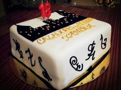 Rune cakes gallore this week since we've chosen The Mortal Instruments series by Cassandra Clare. I actually thought I would have found heaps more cakes since this has such a massive fandom, but th...