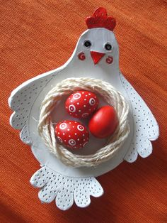 Egg decorating ideas for kids. Clay Crafts, Crafts To Make, Easter Crafts, Christmas Crafts, Diy Air Dry Clay, Clay Birds, Craft Fair Displays, Clay Bowl, Creative Workshop
