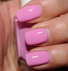 simple summer nails colors designs 2019 – page 9 Pink Nail Colors, Pretty Nail Colors, Nail Polish Colors, Barbie Pink Nails, Lilac Nails, Trendy Nails, Cute Nails, Light Nail Polish, Cotton Candy Nails