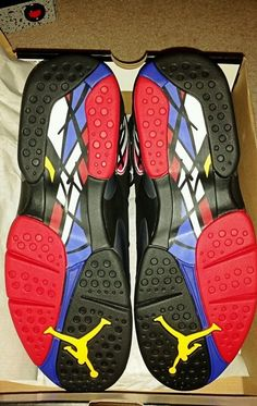 competitive price d8a20 ef64d Like new... Jordan 8 bugs bunny