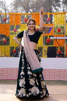 18113a502edfbc Real Weddings: Gunjan & Gurjot's Extravagant Glam Wedding At Nandi Greens