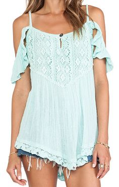 lovely peasant style tunic  http://rstyle.me/n/jumvmpdpe