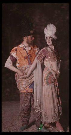 Costumes by Paul Poiret. Théâtre des Champs Elysees, photo by Henri Manuel. Paul Poiret, Edwardian Era, Edwardian Fashion, Vintage Fashion, Fashion 1920s, Victorian, Elsa Schiaparelli, Art Nouveau, Subtractive Color